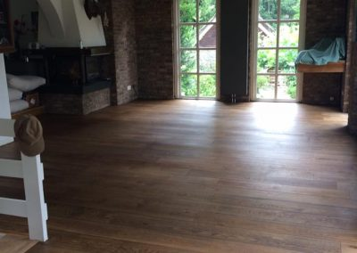houten vloer geschuurd en opnieuw geoliëd